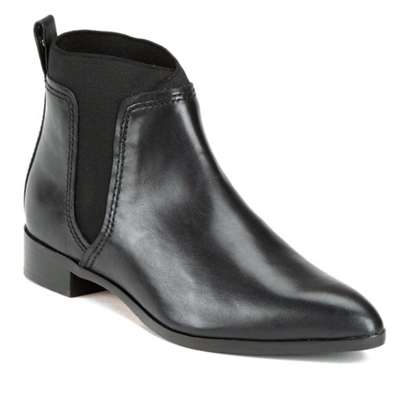 18e13644f9654 Ted Baker Maki Leather Chelsea Boots in Black. M 5aff2d0b2c705df8ea784355